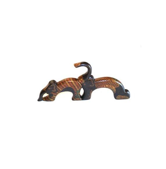 Eléphants en bois batiké