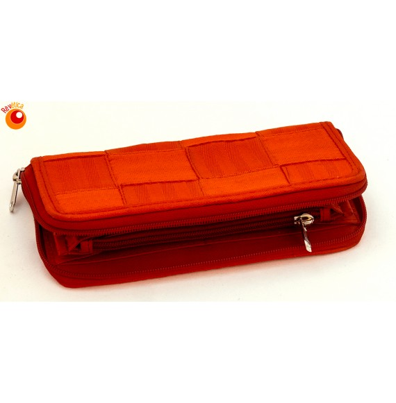 Portefeuille compagnon en ceintures de sécurité recyclées