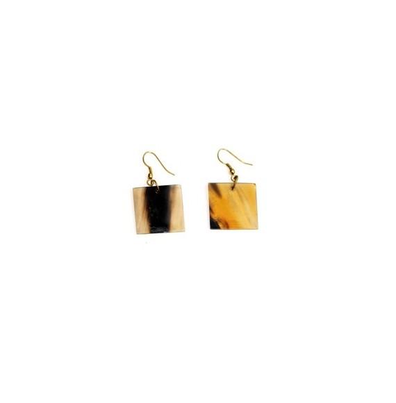 Boucles d'oreilles carrées 2 cm en corne